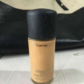 MAC Foundation Studio Fix Fluid