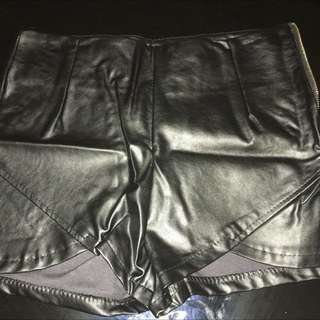 Faux Leather Shorts With Size Zipper