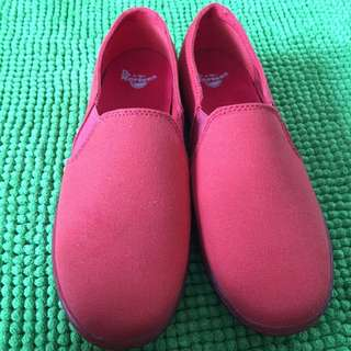 Dr Martens Finchley Red Rouge Ladies Shoe US Size 9