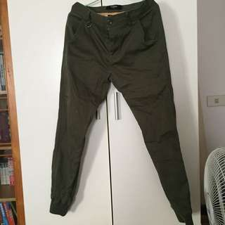 深綠縮口長褲 M號 9.9成新