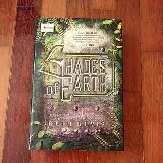 Shades Of Earth (Beth Revis)