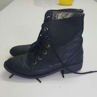 Black Combat Boots Size 5