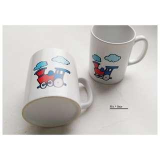 小朋友 兒童 可愛 陶瓷 馬克杯 插畫 小火車 杯子 火車圖案 生日禮物 陶瓷杯子 水杯 對杯 甜蜜 情侶杯 情侶對杯  咖啡杯 對杯 攪拌棒 杯子 情人節禮物