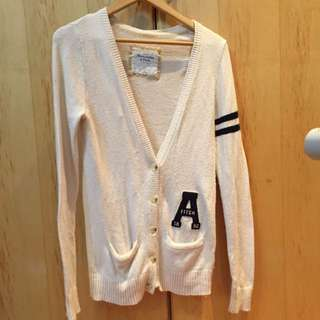 Abercrombie & Fitch 基本款V領毛衣L號