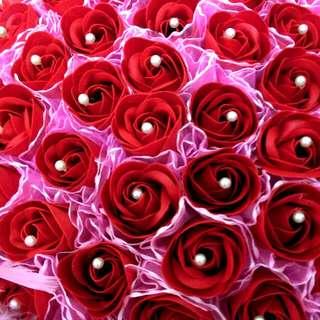 【情人節首選】108朵香皂玫瑰 附贈超大可愛鑽戒