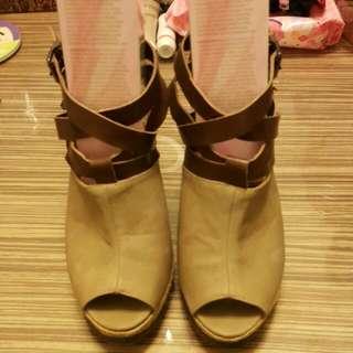 <全新>撞色魚口時尚高跟鞋