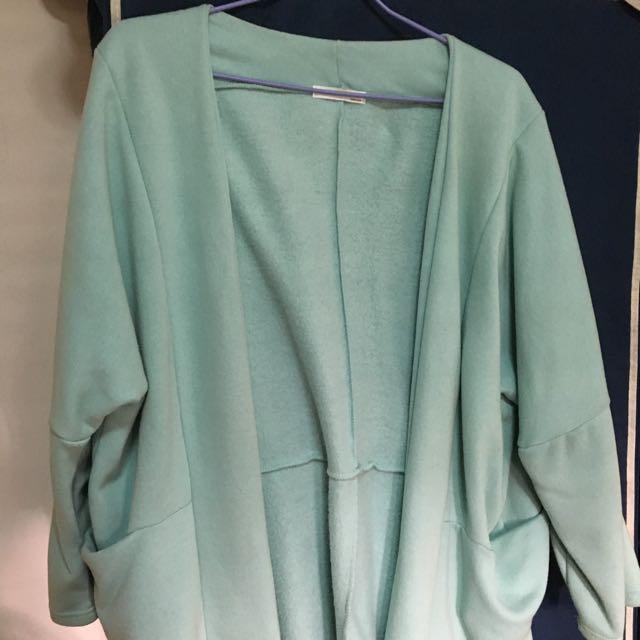 淺綠色刷毛寬版外套
