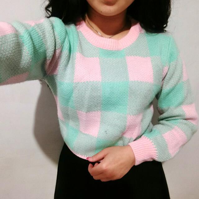 格紋粉綠毛衣 短版