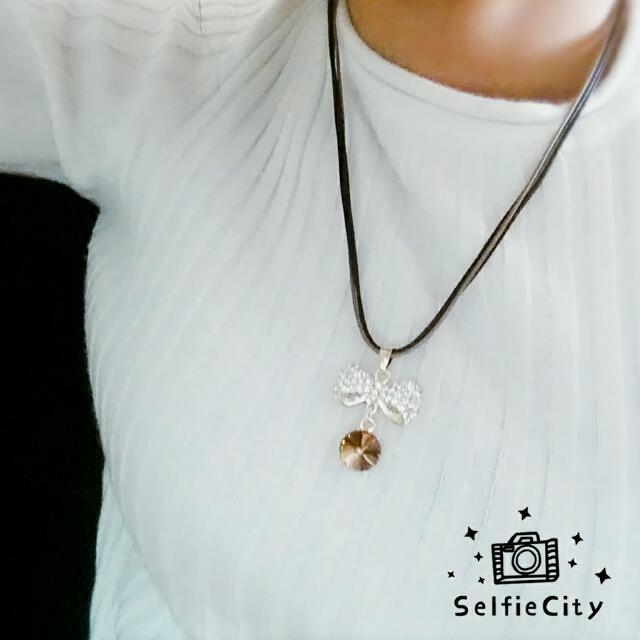 韓風皮革款 蝴蝶蘭鑽 項鍊 短鍊 現貨 超值