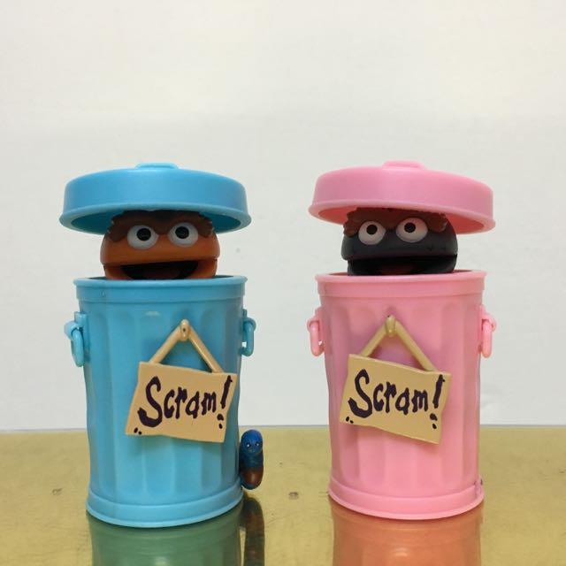 絕版 芝麻街 垃圾桶 餅乾怪 藍色加粉色 兩款合售  二手