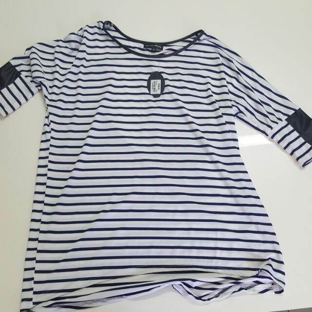 Black And White Striped Long Sleeved Long Shirt Size 10