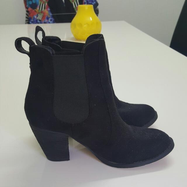 Black Heeled Ankle Boots Size 6