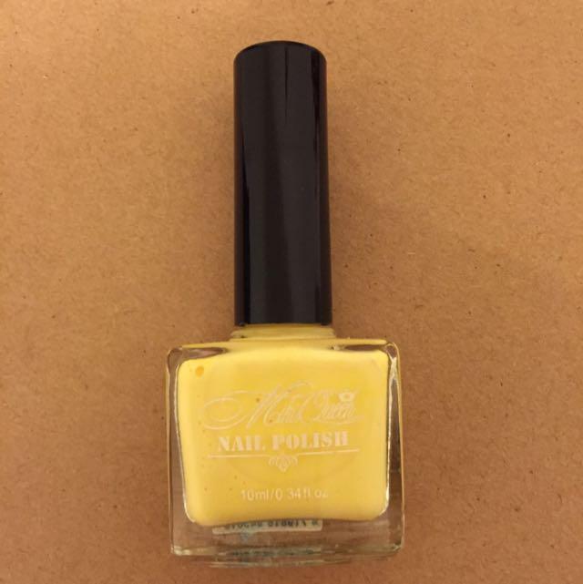 Nail polish 淺黃色指甲油