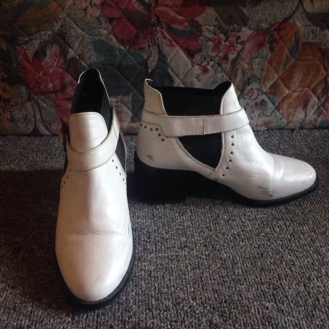 TopShop White Leather Boots With Buckle
