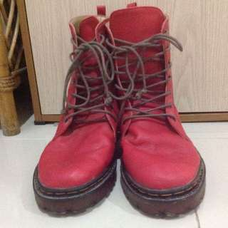 BOOTS Red Shoes