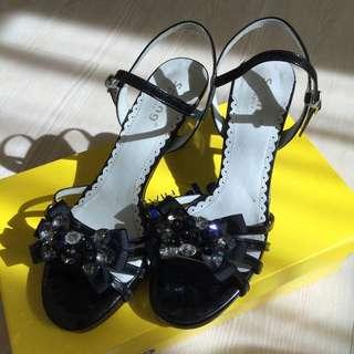 Spring 專櫃寶石低跟涼鞋 35.5偏大