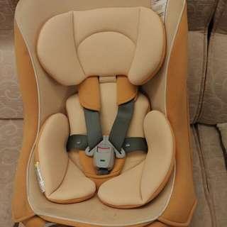 combi coccoro 汽車安全座椅