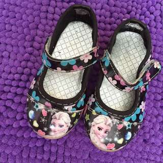 Preloved Frozen Baby Girl Shoes