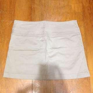 裸膚色a字窄裙