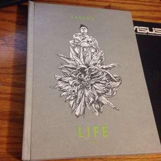 陳奕迅 2013 演唱會  [EASON'S LIFE DVD](盒裝背面有小破皮損傷)介意勿拍