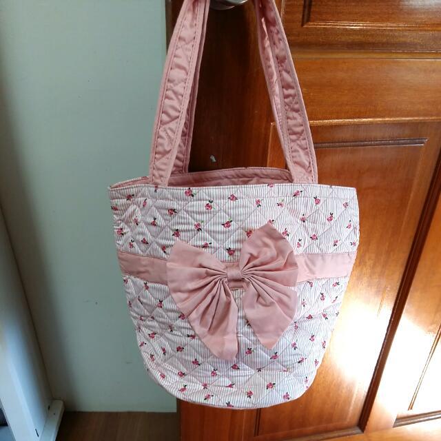 圓筒粉色蝴蝶結手提包