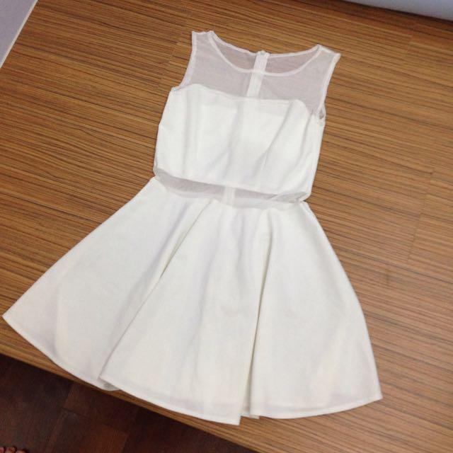 白色透膚洋裝
