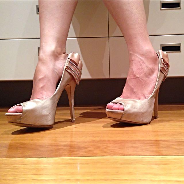 ALDO Bow Heels