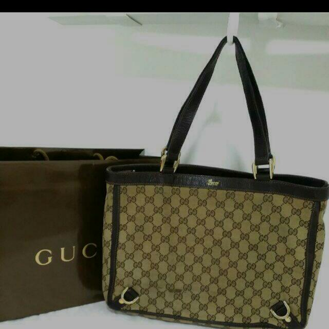 89053a8f4 Reserved 25/2) Authentic Used Gucci Canvas Tote Bag, Luxury on Carousell