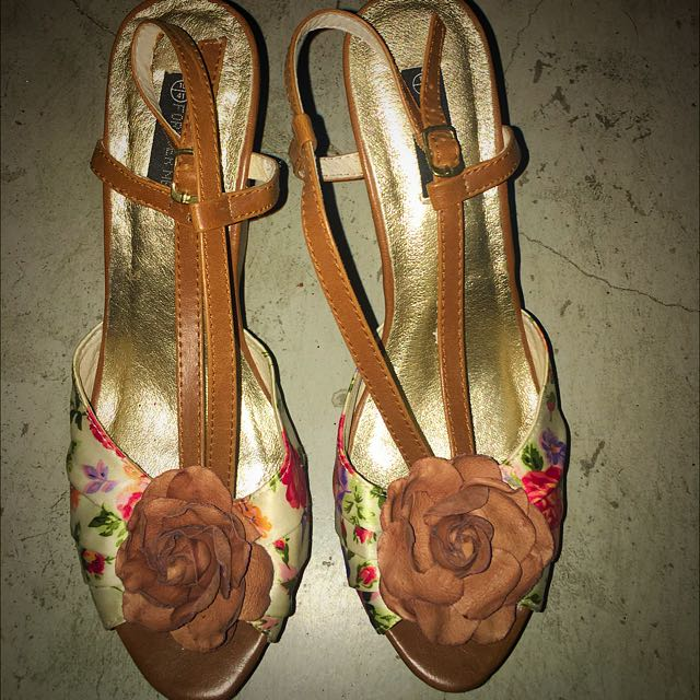 Forever New Floral Wedges