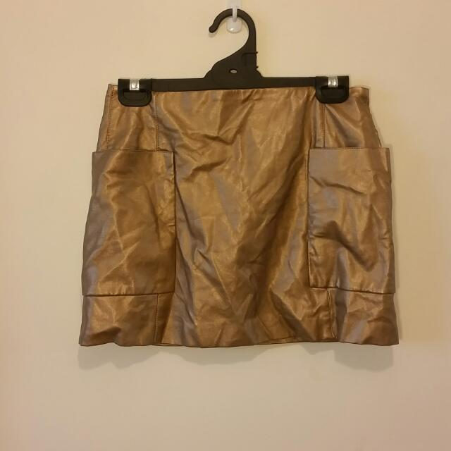 NEW! ZARA Woman Gold Faux Leather Mini Skirt Size XS RRP $69.95