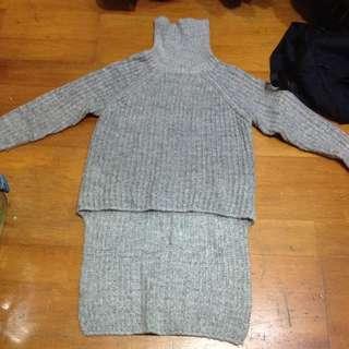 高領套頭灰毛衣