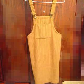 坑條吊帶裙