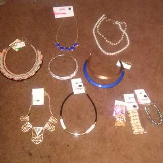 Free Jewelry With Your Purchase