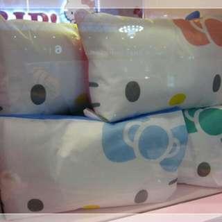 Hello Kitty 抱枕