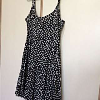 H&M Daisy Dress