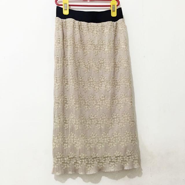 珍珠粉蕾絲裙