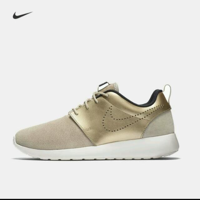 aaa88a9952a9 Nike Roshe One Premium Suede Womens Authentic