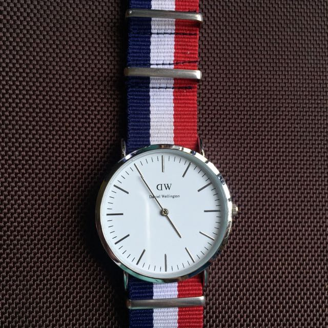 3eec619c43bfc Daniel Wellington Classic Cambridge (blue white red strap) Watch ...