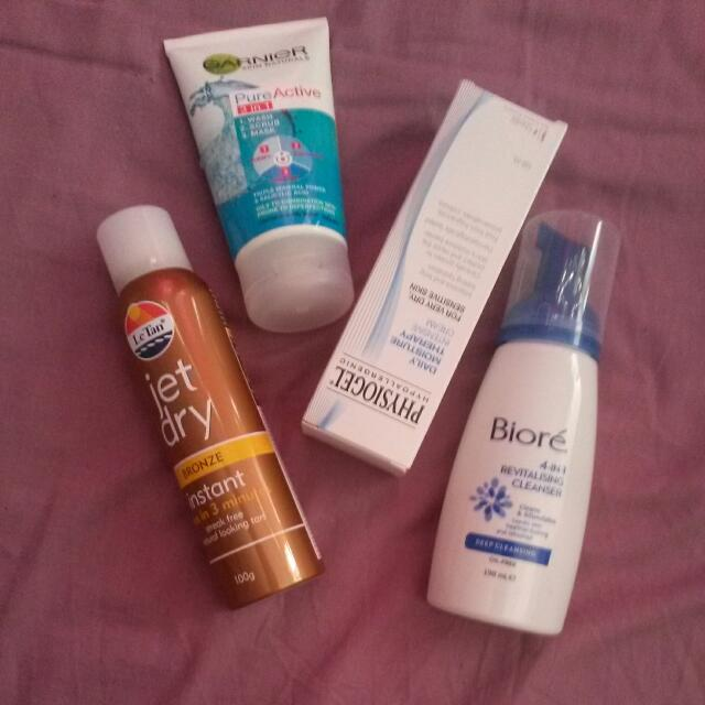 SKINCARE AND TANNING SET