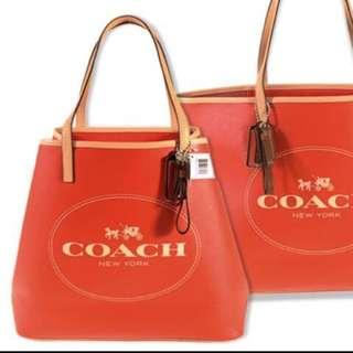 Coach大容量托特包