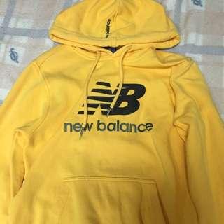 New Balance帽T