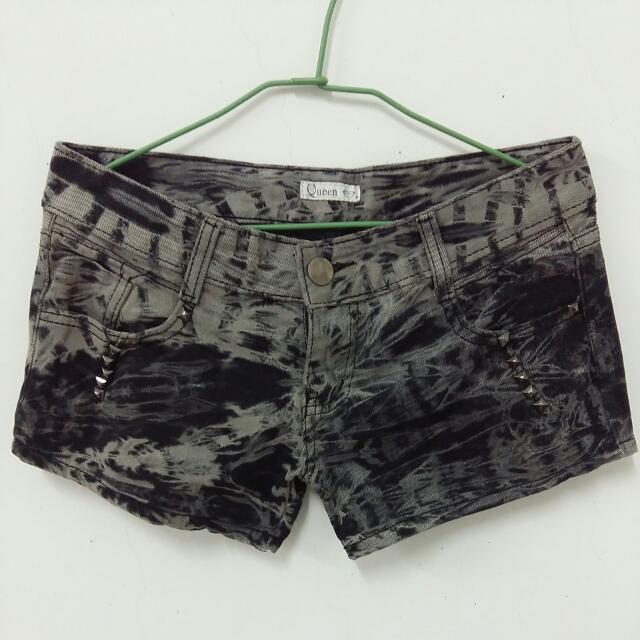 全新 M號 黑色渲染短褲