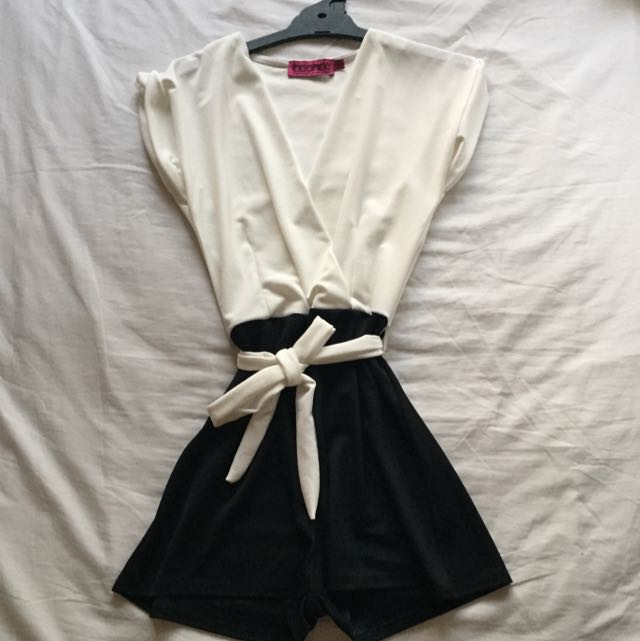 Boohoo playsuit sz 8