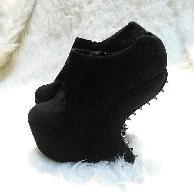 Gaga Boots