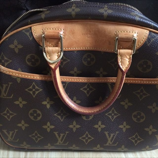 LV Monogram Canvas Top Handle $250