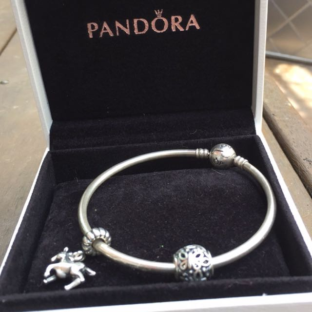 PANDORA BUTTERFLY CHARM AND BRACLET