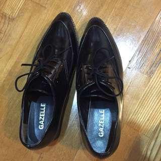 黑色有根皮鞋(含運)