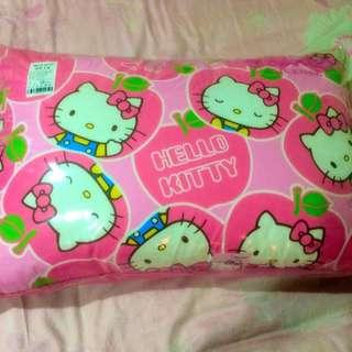 全新Kitty枕頭