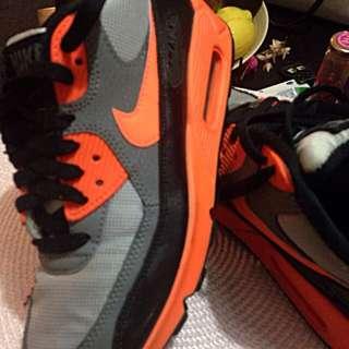 Size 5Y Nike Air Max