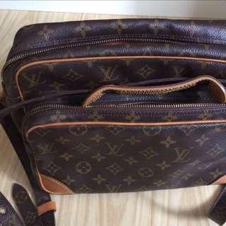 LV Genuine messenger Bag $250